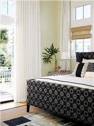 Black and White for spacious rooms